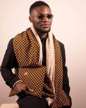 Mode africaine homme 2020 écharpe et pochette en wax - Afrhika store boutique à toulouse