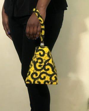 Mode africaine femme 2021 sac a main minaudière en wax - Afrhika store boutique à toulouse